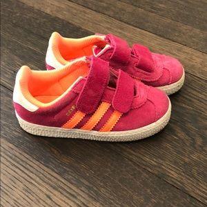 Girls Adidas Velcro Sneaker